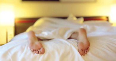 Mit der Sommerdecke bei Hitze besser schlafen